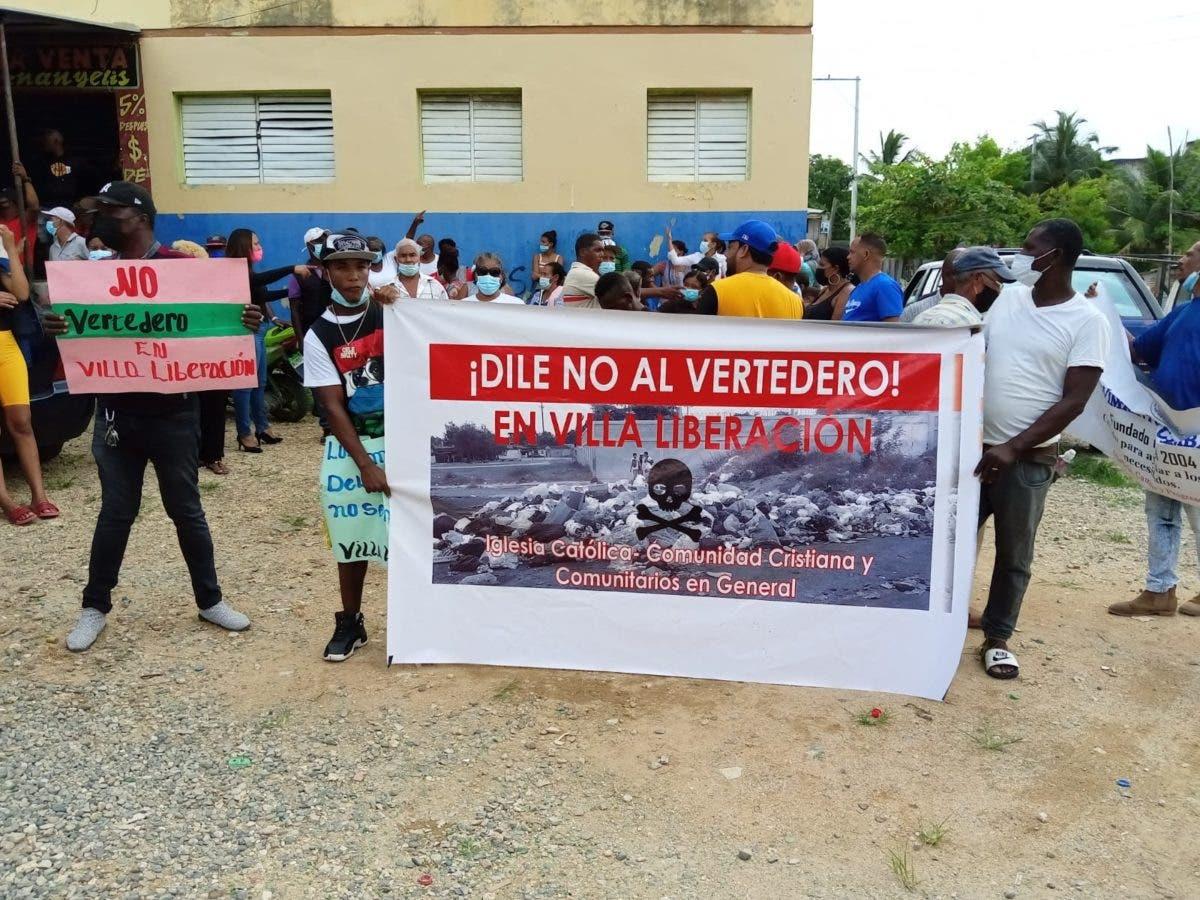 Marchan contra instalación de vertedero en sector Villa Liberación