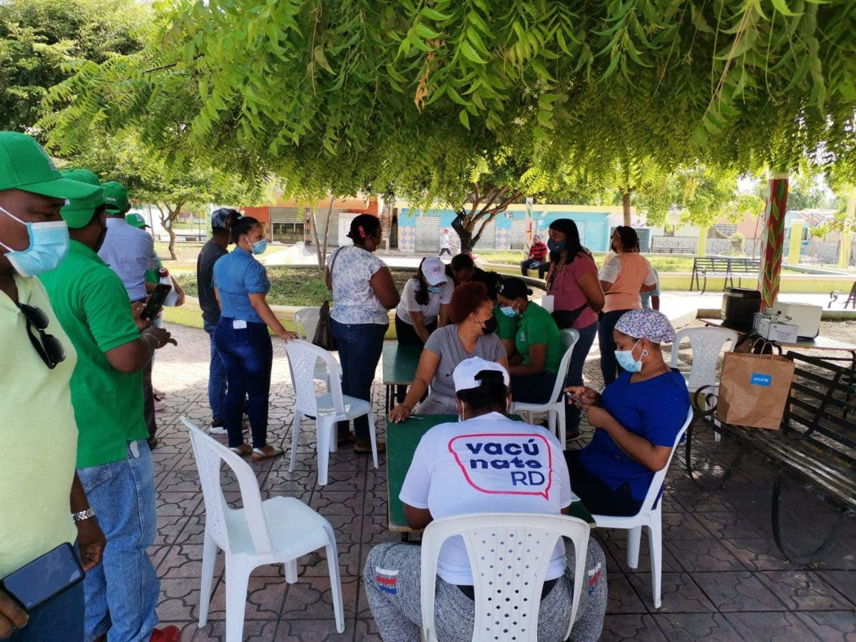 Personal médico de la DGDC y Asistencia Social se suma a jornada de vacunación