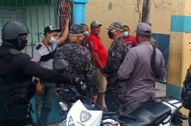 General hace dura advertencia a comerciantes que auspicien fiestas clandestinas
