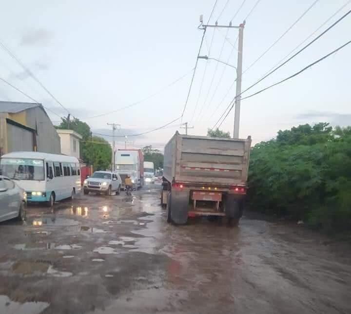 #DenunciasHOY| Carretera Hato Nuevo, Manoguayabo en total deterioro