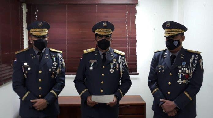 Francisco Rhommel López toma posesión de la comandancia policial de la  zona oriental