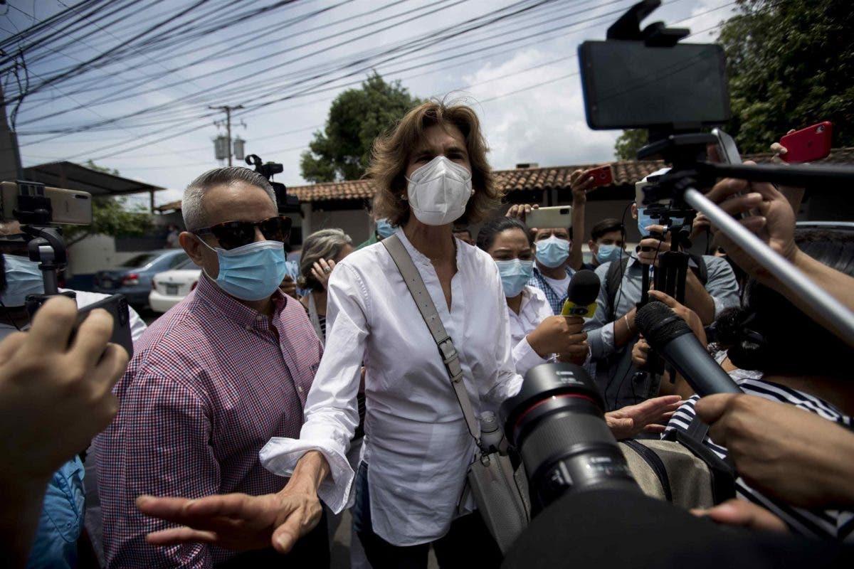 La Policía de Nicaragua arresta a dos exguerrilleros y a dos opositoras