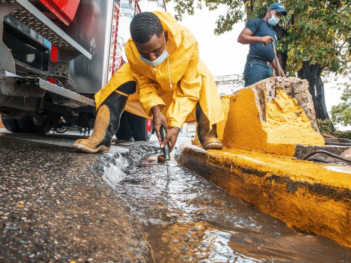 Alcaldía del DN pide no sacar fundas de basura a las aceras por vaguada
