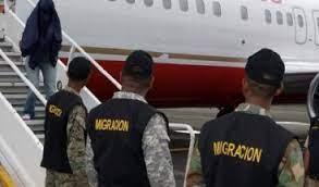 Estados Unidos repatriará esta tarde a 115 criollos