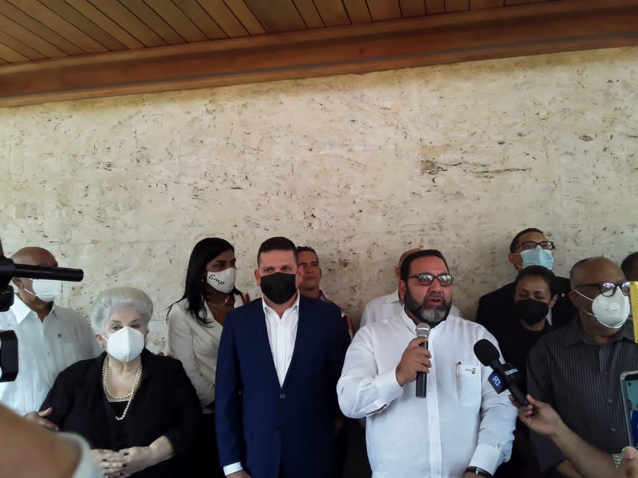 Partido Reformista da el último adiós al exalcalde José Enrique Sued