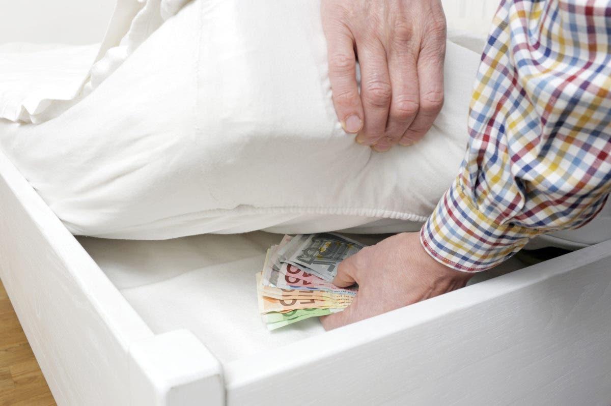 ¿Tienes el dinero guardado en casa? Mira estas recomendaciones