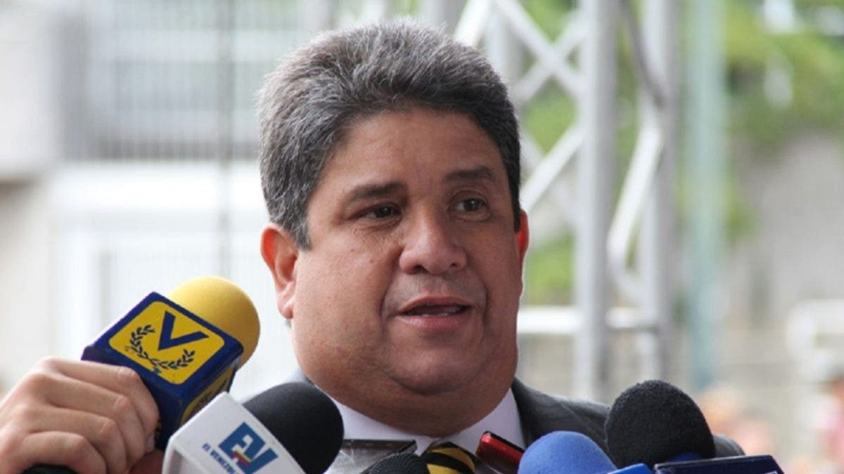 Diputado opositor venezolano ve un «crimen» en bloqueo de fondos para vacunas