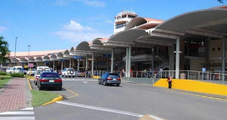 Solicitan prisión a hombre que paralizó operaciones aeroportuarias con falsa alarma de bomba