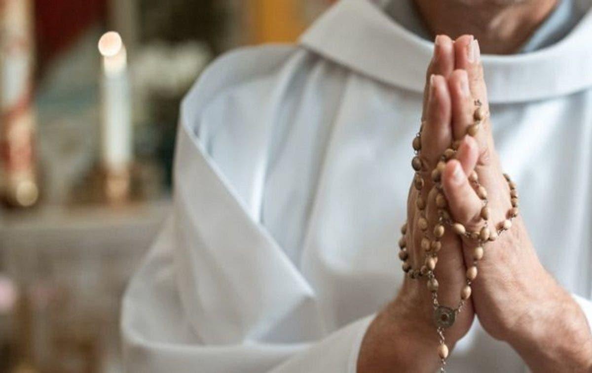 Sacerdote ataca con ácido a siete metropolitanos ortodoxos en Atenas