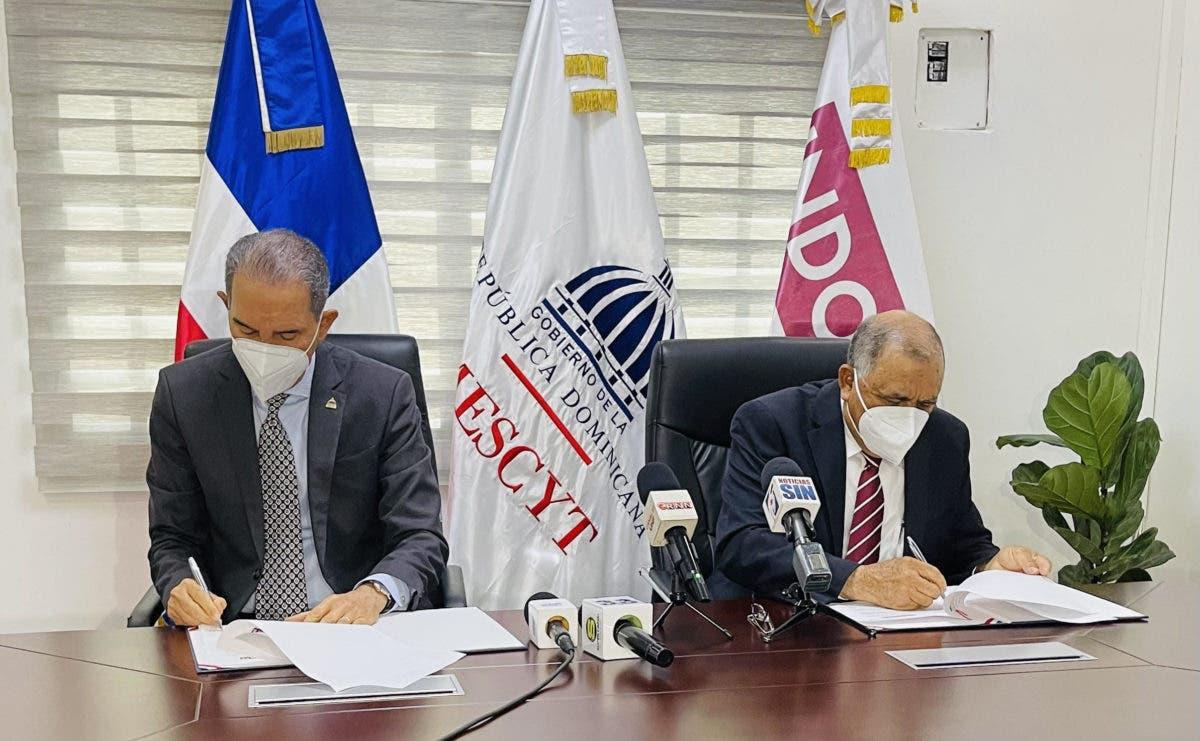 MESCYT e INDOCAFÉ firman convenio para dotar de becas a caficultores