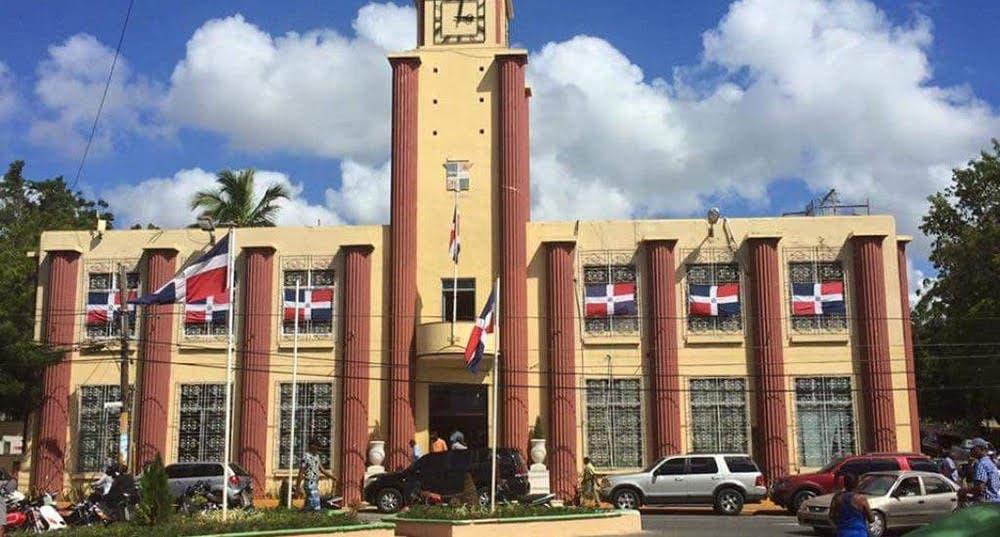 Anulan proceso de contratación entre Alcaldía de La Romana y la empresa Urbaluz