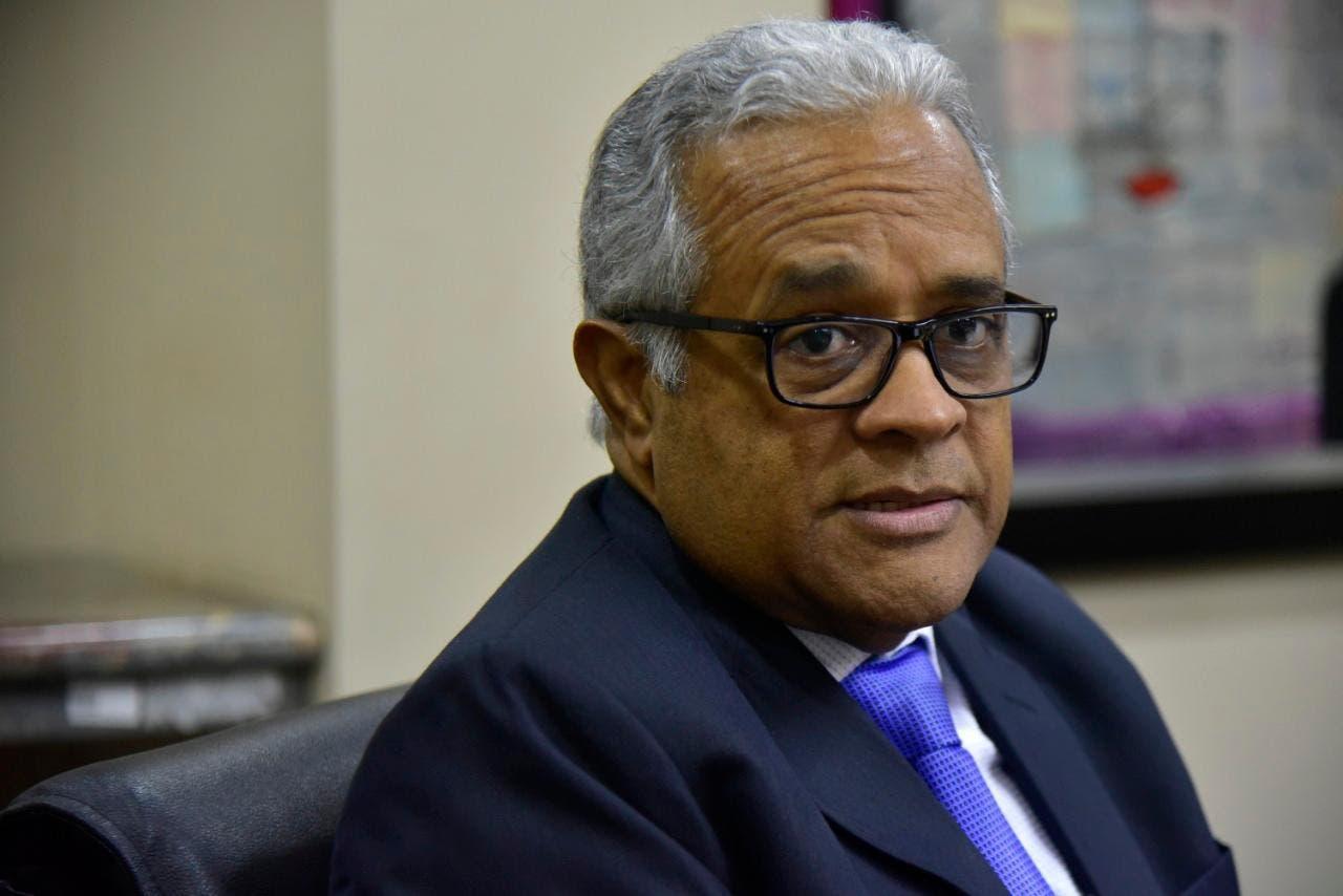 Exministro de Salud denuncia subregistro en cifra de muertos por covid-19