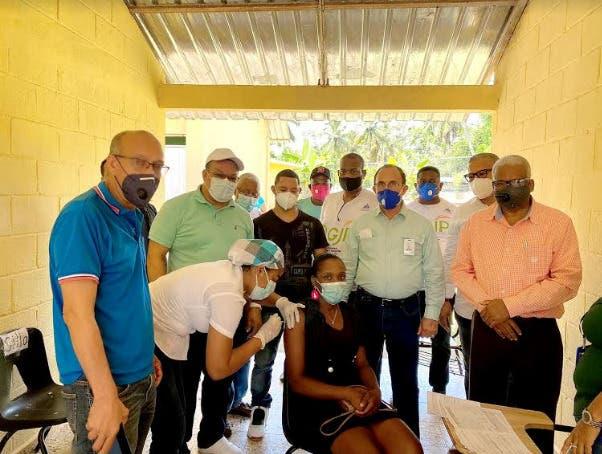 Director general de Pensiones continúa brindando soporte a Jornada Nacional de Vacunación