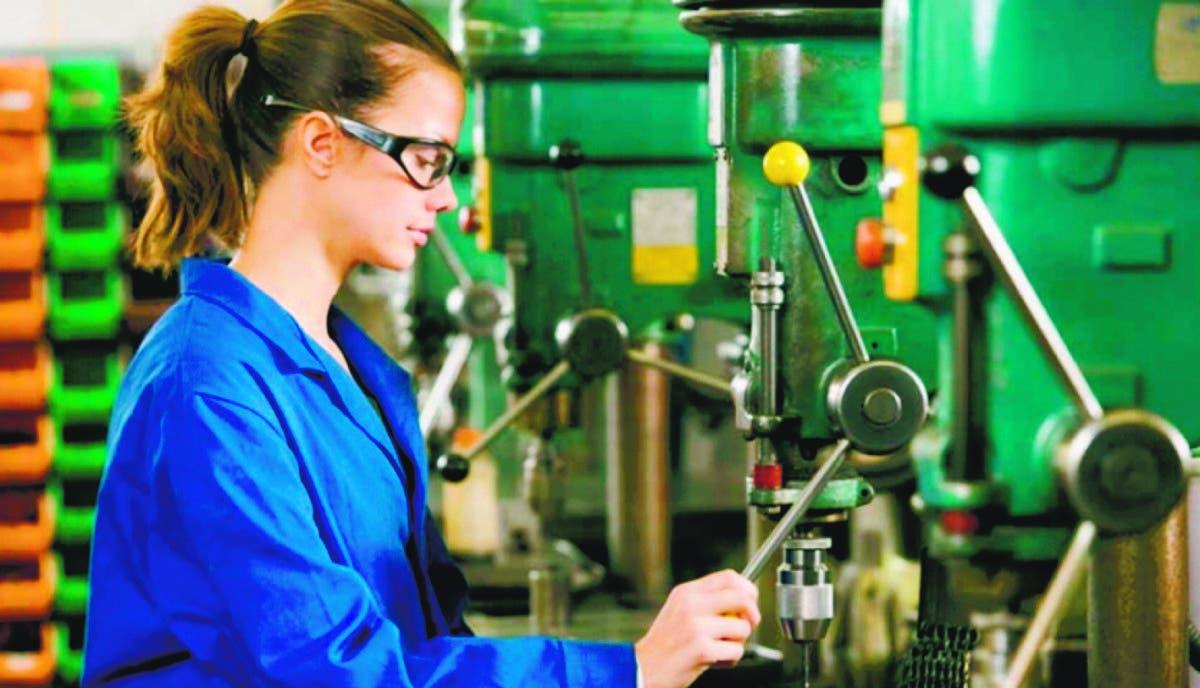 Hay 192,491 empleos menos, en especial de las mujeres y  los jóvenes