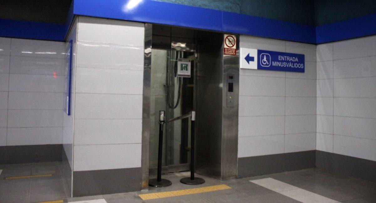 Estaciones del Metro en mal estado; se dificulta el acceso de los minusválidos