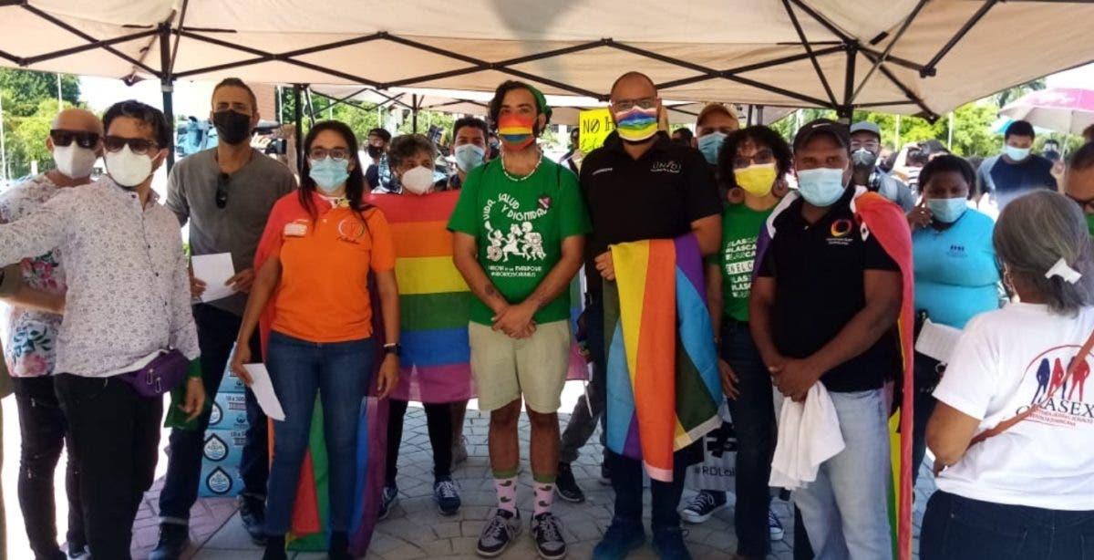 LGBTI inicia presión al Senado