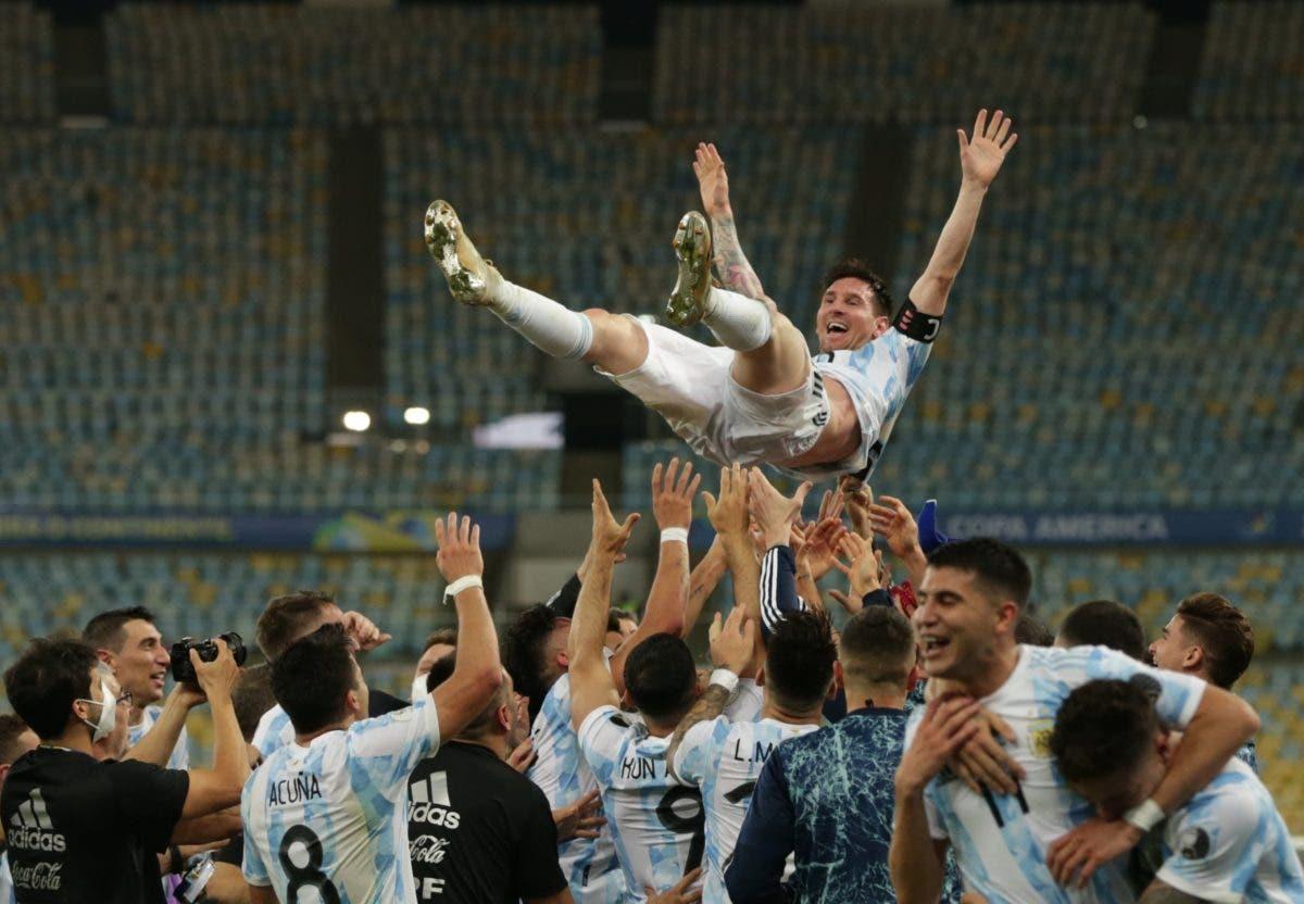 Italia & Argentina  Reyes de Eurocopa y Copa América