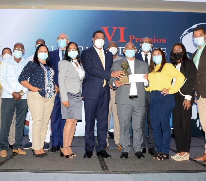 Fedodim entrega a municipios Premios Juan Pablo Duarte