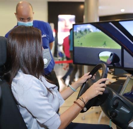 Instalan simuladores de conducción centros comerciales