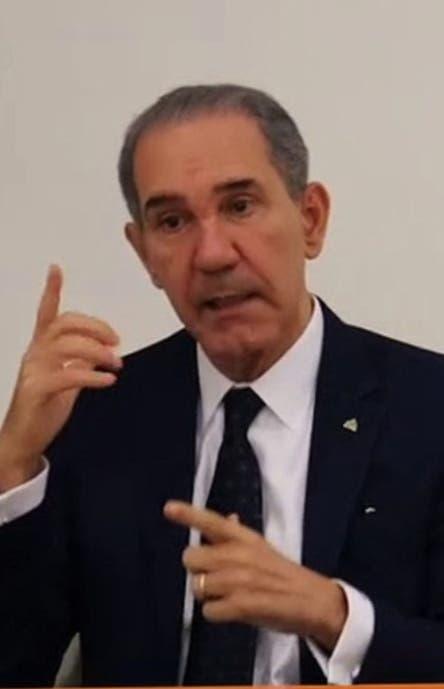 García Fermín dice corrige irregularidades en Mescyt