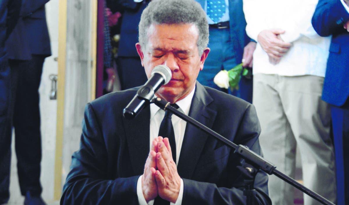 Sepultan los restos madre del expresidente Leonel Fernández