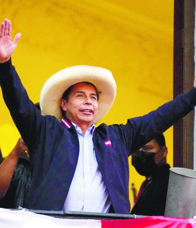 Tribunal proclama a Pedro Castillo  presidente de Perú