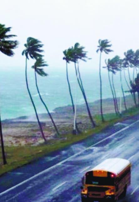 Hay 12  provincias alerta y fuertes olas