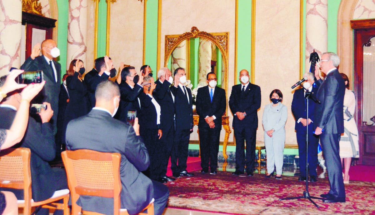 CNM juramenta nuevos jueces del Tribunal Superior Electoral