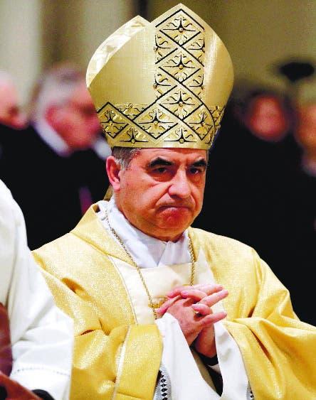 El Vaticano abre juicio cardenal Angelo Becciu