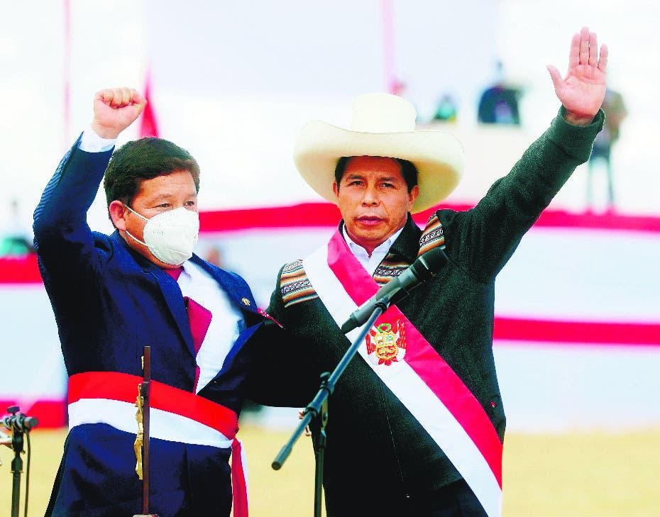 Pedro Castillo nombra primer ministro de línea dura