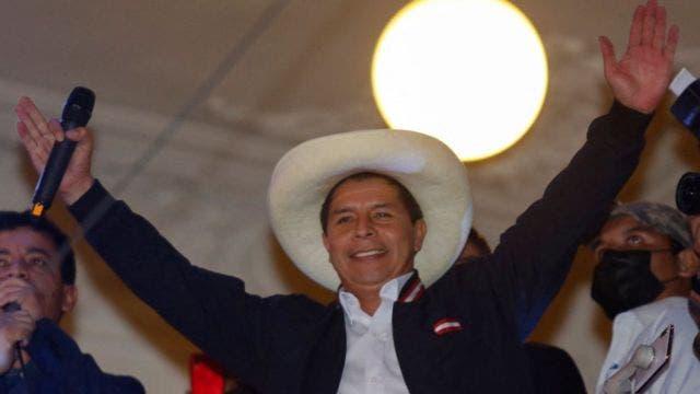 Abinader le desea éxito al electo presidente de Perú