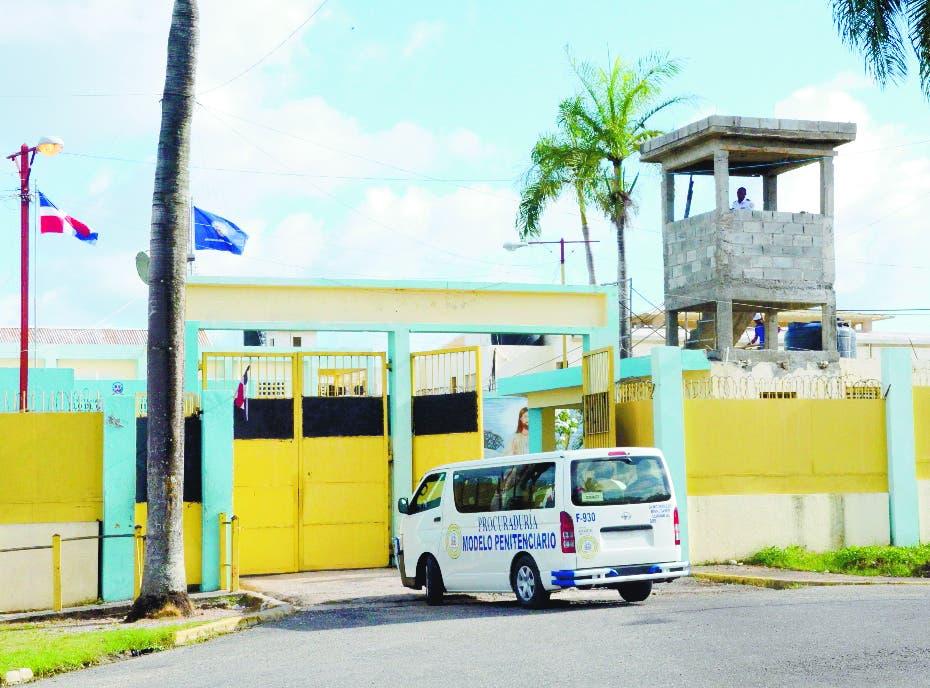Defiende trabajos construcción verja cárcel de Najayo