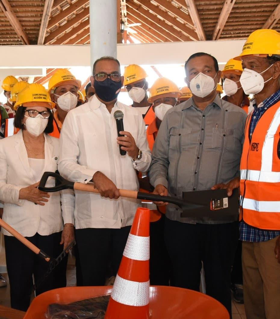 Obras Públicas inicia conexión provincial Puerto Manzanillo