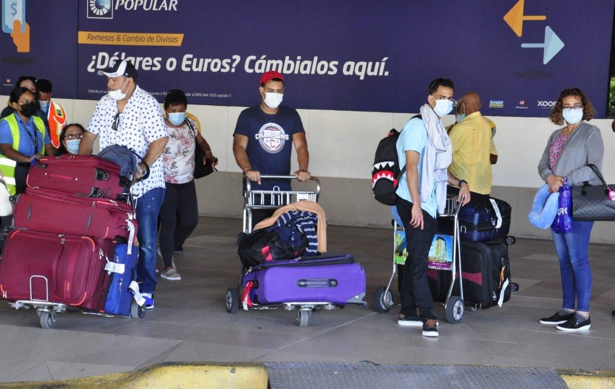 Viajeros  dicen que en EE.UU el coronavirus está controlado
