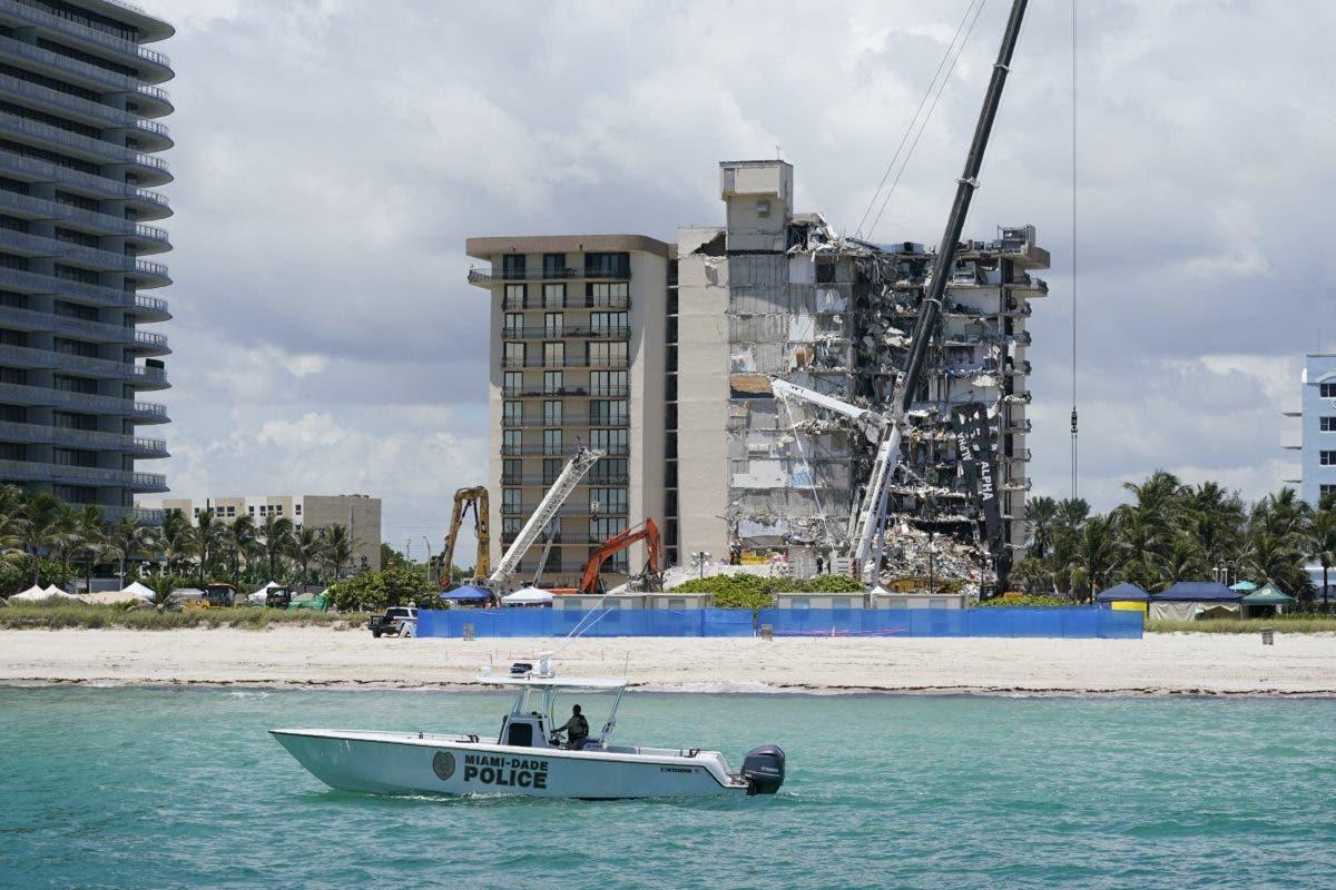 Miami: evacúan otro edificio, sigue la búsqueda en Surfside