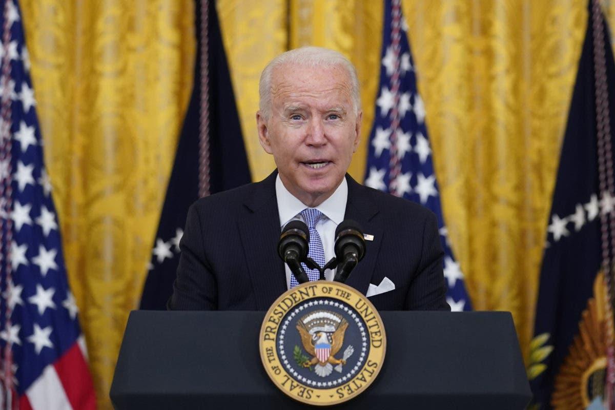Biden no descarta que el Gobierno pueda ordenar vacunarse a todo Estados Unidos