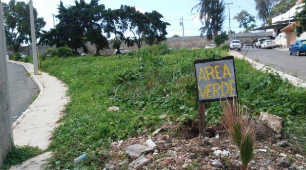 Moradores de Guayabal de Los Ríos denuncian que hombre violenta área verde