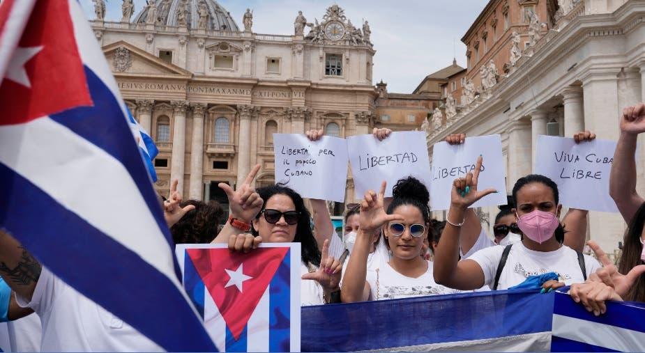 Una semana después de las protestas en Cuba, las calles son de la Policía