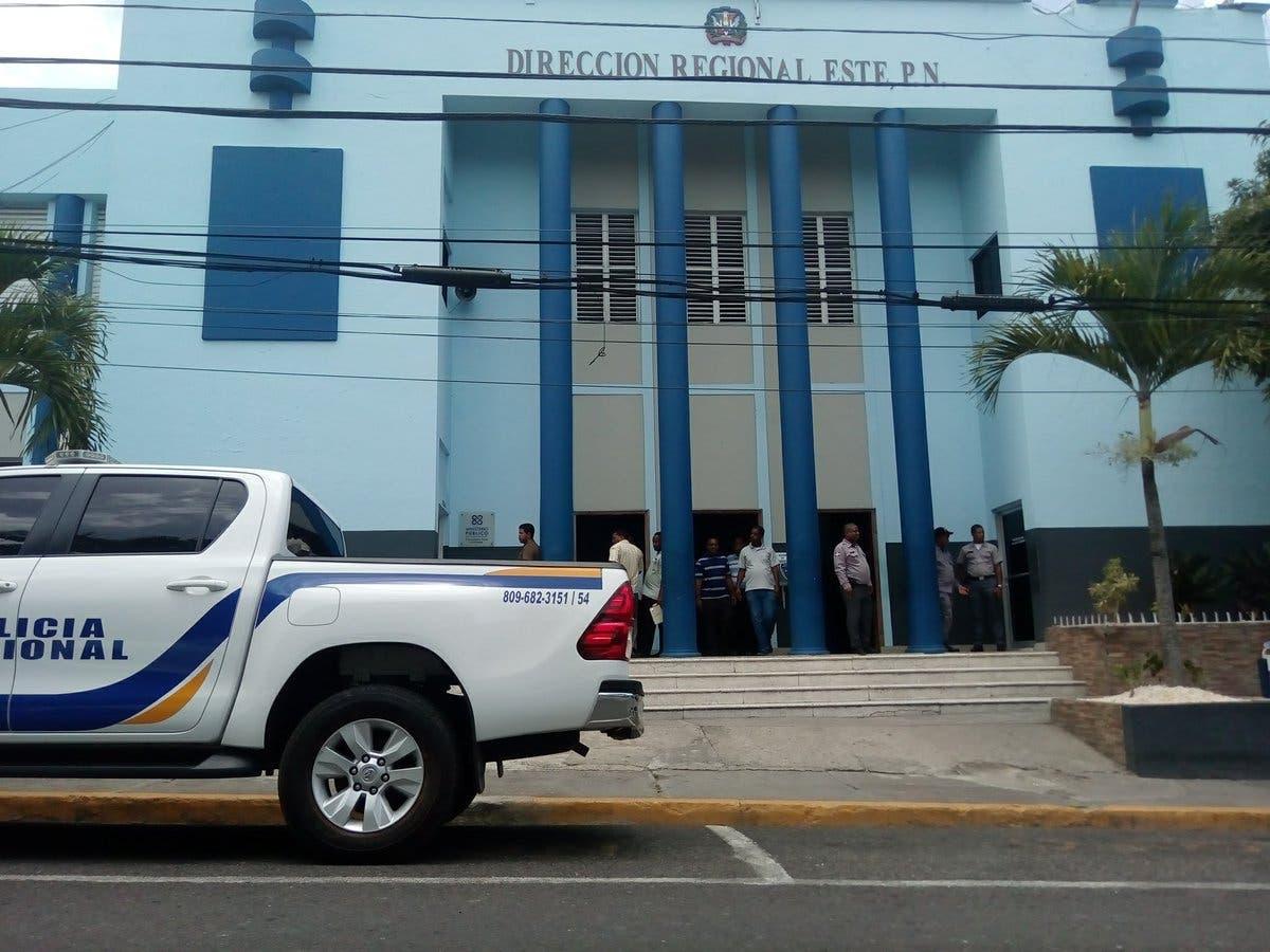 La Romana: Se entrega hombre acusado por robo a un camión de una compañía privada