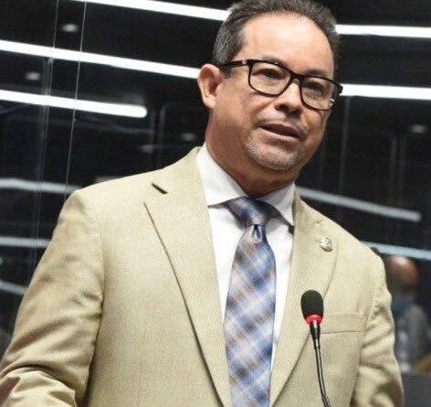 Diputados aprueban eliminación de pago de reinscripción en centros privados
