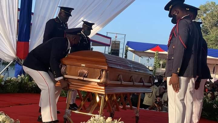 El último adiós a Jovenel Moïse: Sin los expresidentes ni «oligarcas haitianos», dice Edwin Paraison