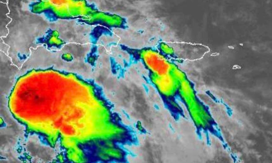 Elsa cae de categoría, de huracán a tormenta tropical