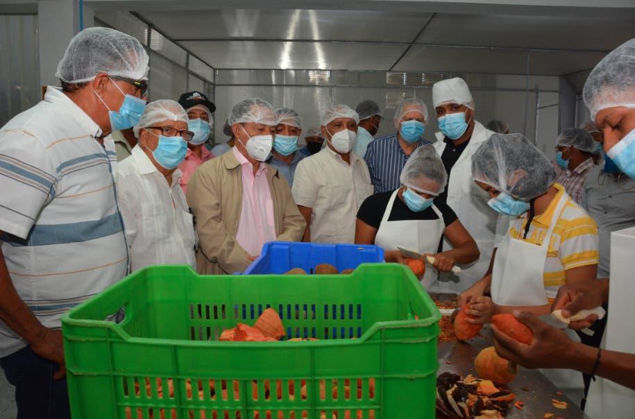 FEDA respaldará a los productores del clúster de zapote en Espaillat
