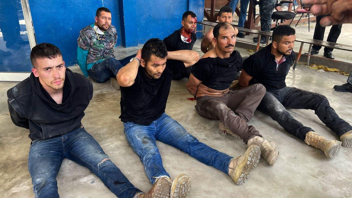 Denuncian que exmilitares involucrados en asesinato Jovenel Moise siguen esposados en cárcel
