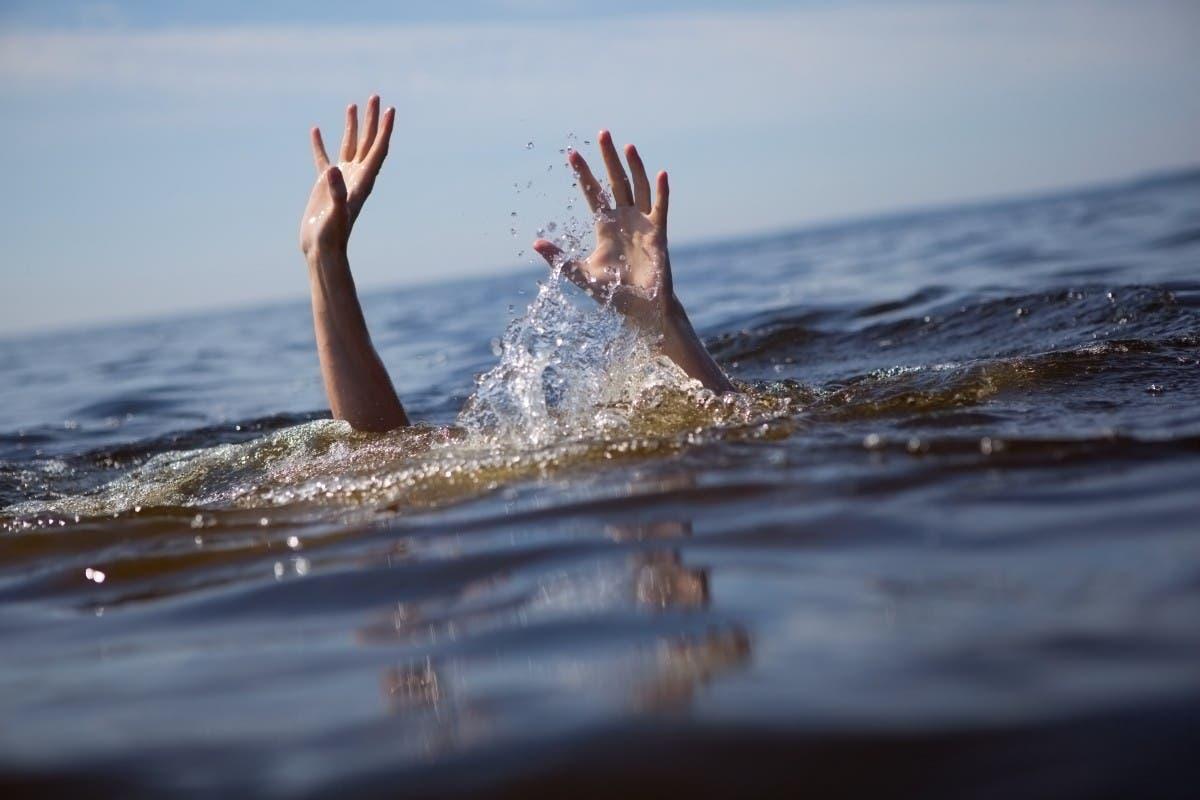 Hombre en aparente estado de embriaguez se ahoga en canal mayor de Dajabón