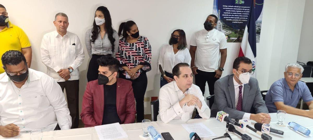 Dueños de bares y discotecas de Santiago ponen establecimientos al servicio de Salud Pública para vacunación