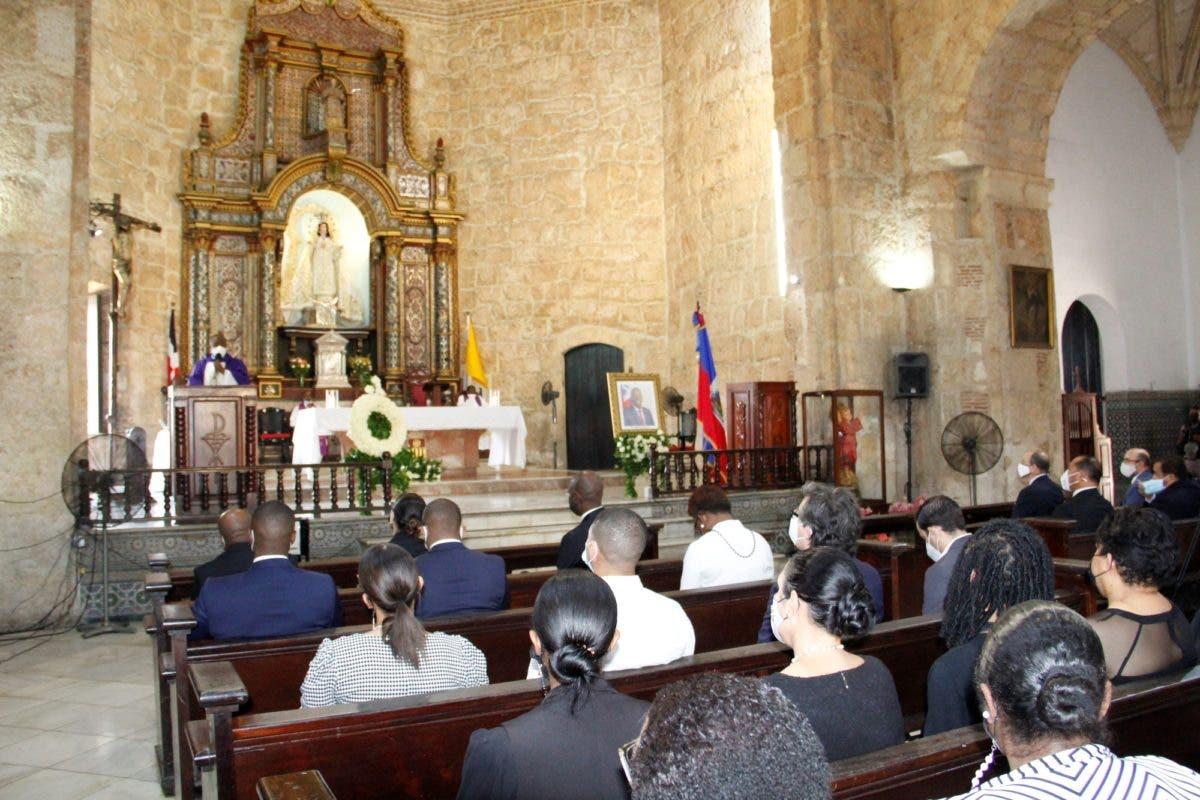 Claman por justicia durante misa en homenaje a Jovenel Moise