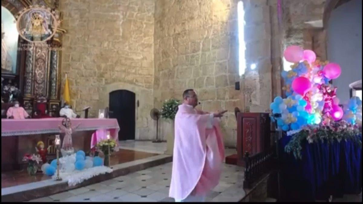 Padre de iglesia Las Mercedes truena contra funcionarios del PRM que ni le cogen las llamadas