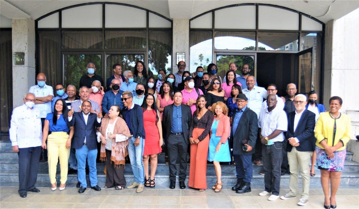 Crean Academia Dominicana de Periodistas de Arte y Espectáculos (ADOPAE)