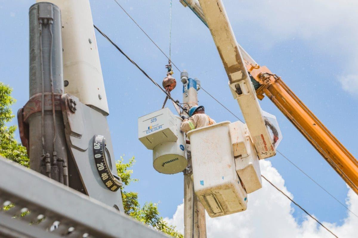 El 98.7% de los clientes de Edesur cuenta con energía eléctrica tras paso de tormenta Elsa